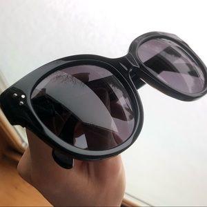 dfd3bf12bdb08 Celine Accessories - classic CELINE Audrey sunglasses CL 41755
